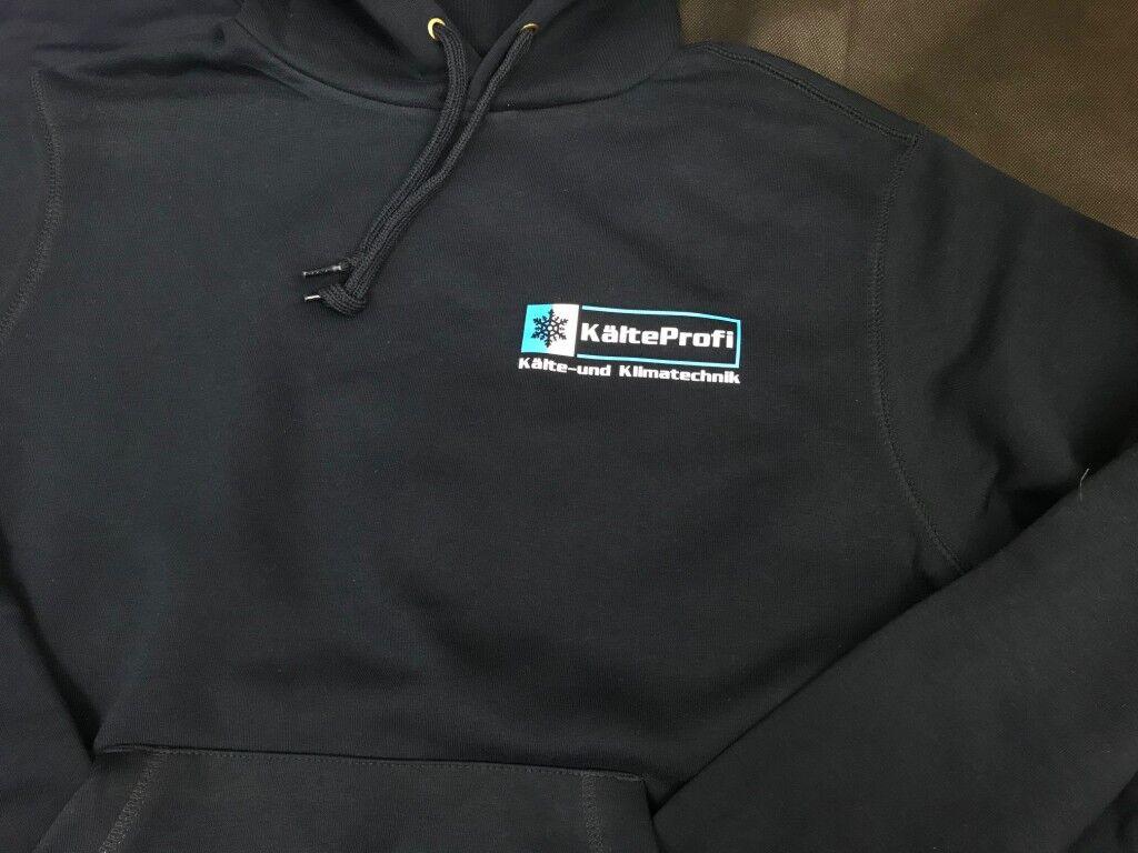 Sweatshirts und Kapushirts mittels Flexdruck bedrucken